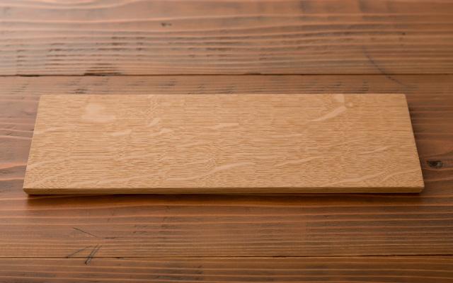 木のプレート